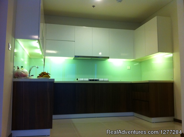 Luxurious Apartment In Hochiminh City: Modern kitchen