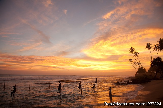 Fishermen at sunset - Discover Sri Lanka