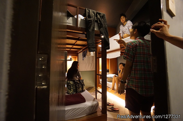 4 beds room (Family room) - Loftel 22-Boutique hostel in China town-Hualampong