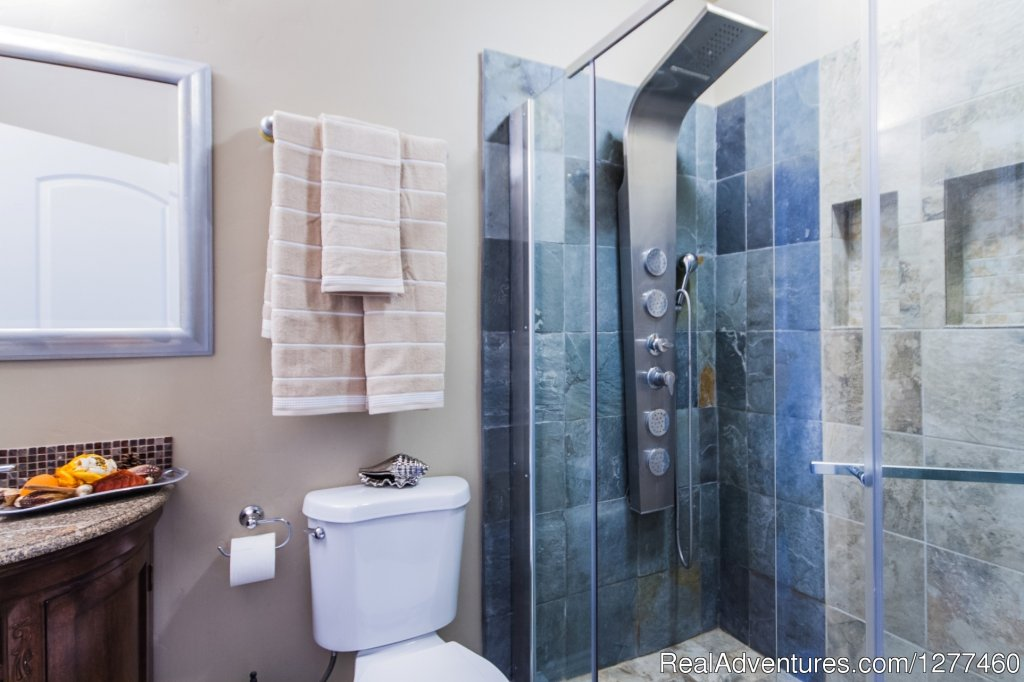 Bathroom 2 | Image #15/25 | Vacation House 5 min. from Disney Land