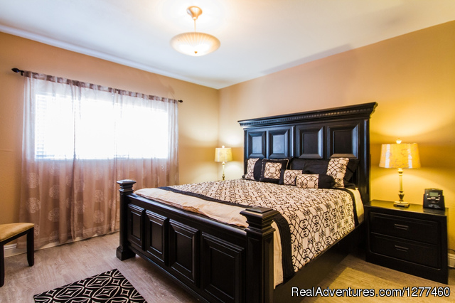 Master Bedroom - Vacation House 5 min. from Disney Land