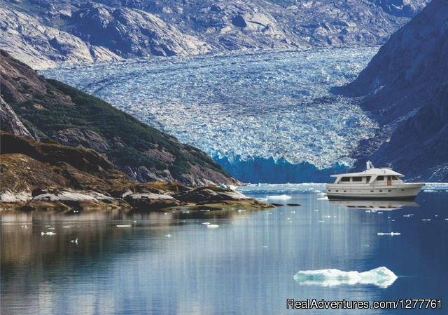 The Northern Dream in the ice. - S.E. Alaska up and close on the 'Northern Dream'