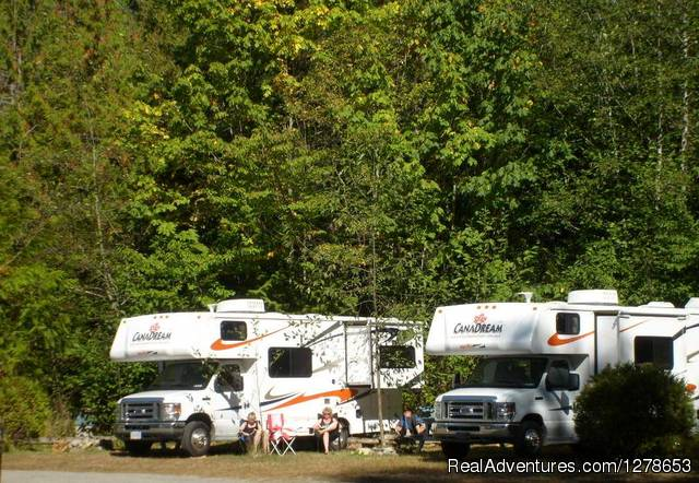 Sunny RV sites - SunLund By-The-Sea RV Campground & Cabins