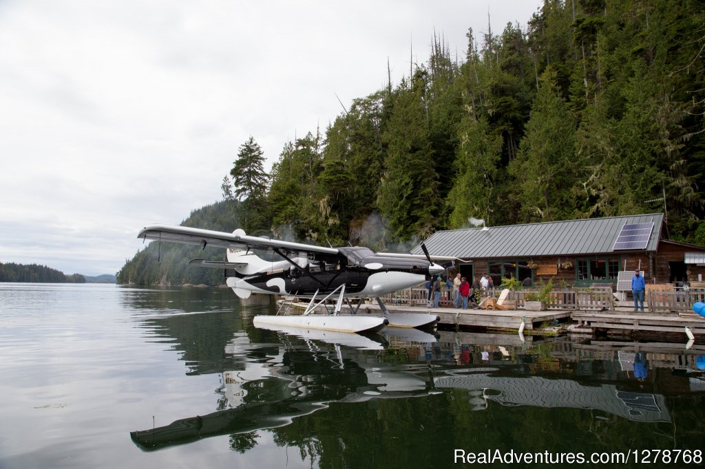 Guests arriving at Blackfish Lodge | Image #1/9 | Echo Bay, British Columbia  | Fishing Trips | Blackfish Lodge