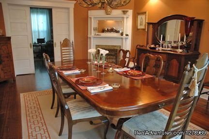 Dining | Image #4/6 | Janssen Park Place Bed & Breakfast