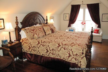 The Margaret May Suite - Janssen Park Place Bed & Breakfast
