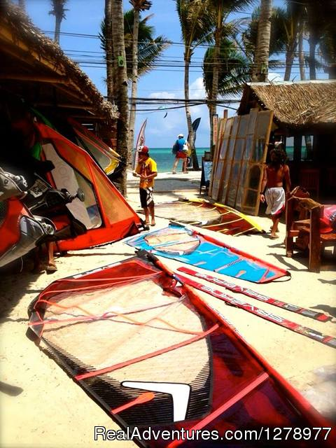 Rigging the brand new Severne Sails - Windsurfing in Asia - Reef Riders Philippines