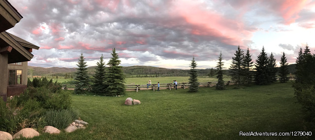 Gorgeous sunsets on a luxury dude ranch in Colorado - Vista Verde Guest Ranch