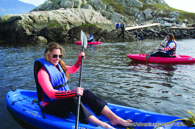 Kayak with friends - Sea Dragon Charters