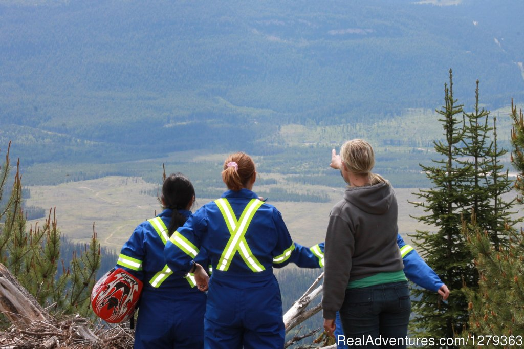 Alpine Country Rentals provides sightseeing ATV Jeep and Snowmobile Tours in the Valemount BC area.