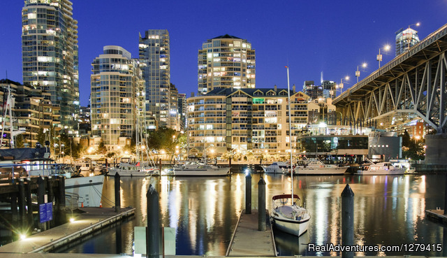 Granville Island Night Photography - Vancouver Photowalks