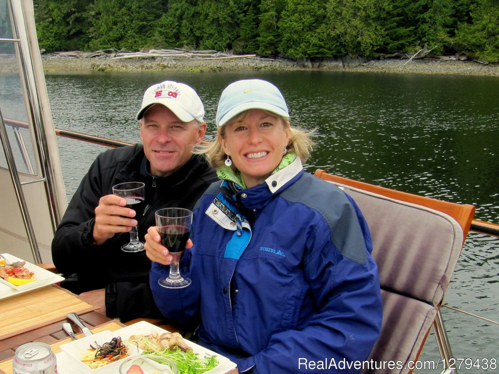 Guests enjoying a glass of wine with their meal | Image #11/24 | Whales, Wildlife & Spectacular Scenery