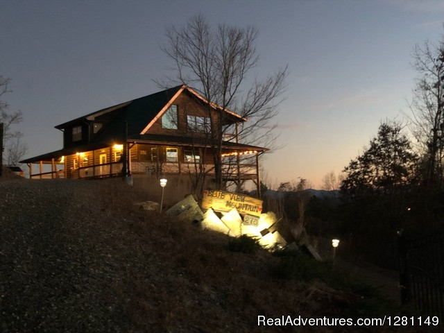 Luxury Dog-Friendly Cabins w/ Fence-In & Hot-Tub Blairsville, Georgia Vacation Rentals