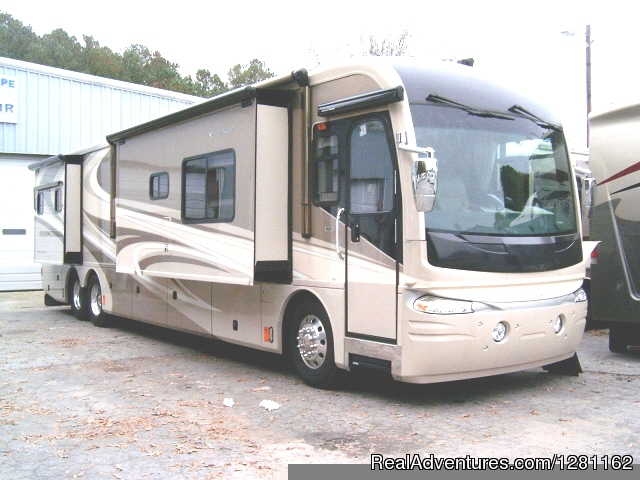 45' Luxury Fleetwood Revolution Class A - Great Escape RV