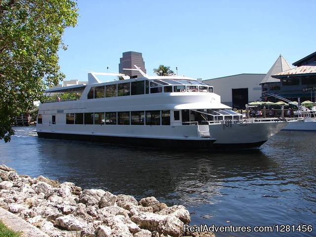 Exterior Miami/Fort Lauderdale Yacht Option - Luxe Yacht Charters