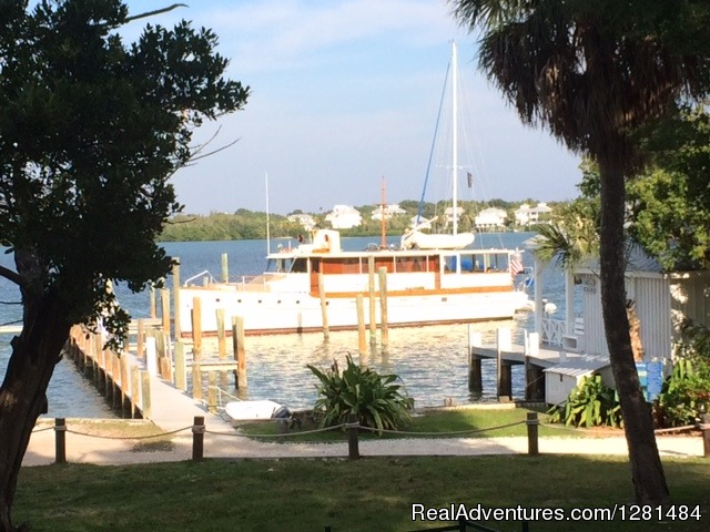 Winter cruises in Florida - Trumpy Yacht Charters