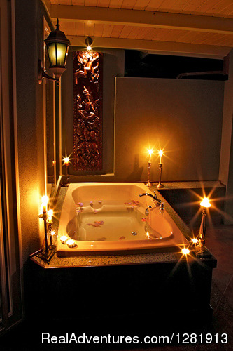 - Romantic Maui Cottage