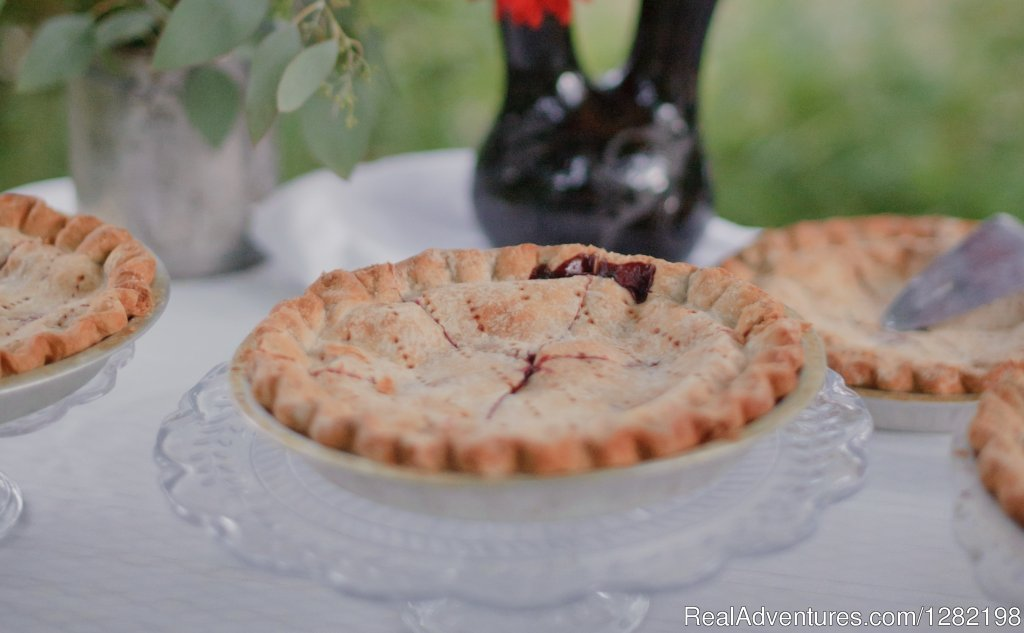 Famous Huckleberry Pie from the Syringa Cafe | Image #11/20 | River Dance Lodge