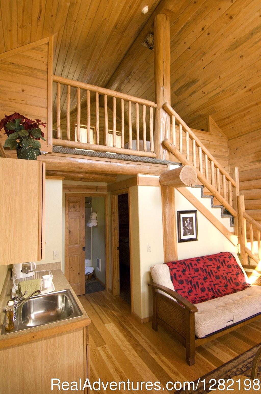 Two Bedroom Cabin Interior | Image #18/20 | River Dance Lodge