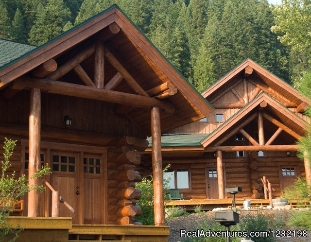 Two and Three Bedroom Cabins - River Dance Lodge