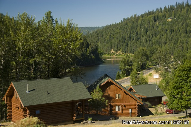 River Dance Lodge Cabins overlooking the Clearwater River - River Dance Lodge