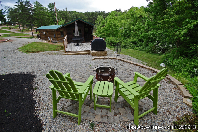 Deluxe Couples Cabin Campfire Experience - Hocking Hills KOA & Gem Mine