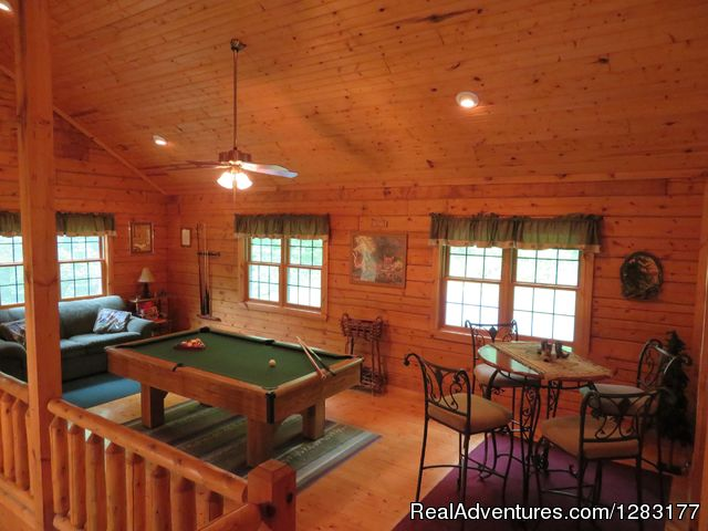 Loft with Pool Table and Sleeper Sofa - Adventurewood Log Cabin HotTub/Fireplace/PoolTable
