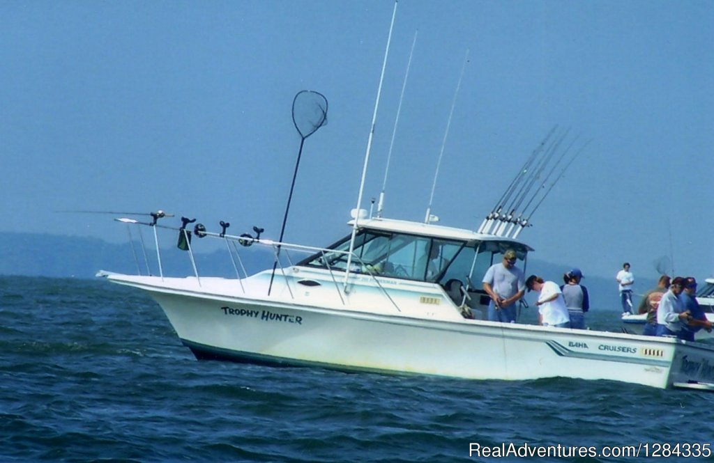 The boat | Image #6/8 | Trophy Hunter Charter Services Inc.