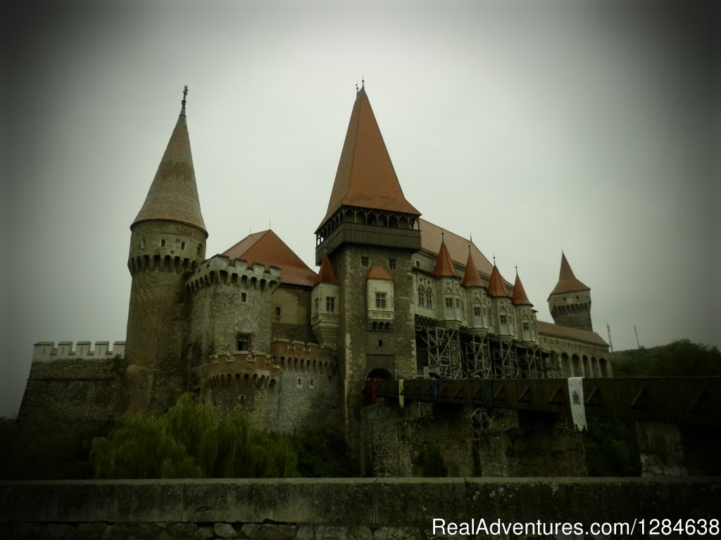 Hunedoara Castle | Image #1/26 | Bucharest, Romania | Sight-Seeing Tours | Discover Authentic Romania - 3 to 12 day tour
