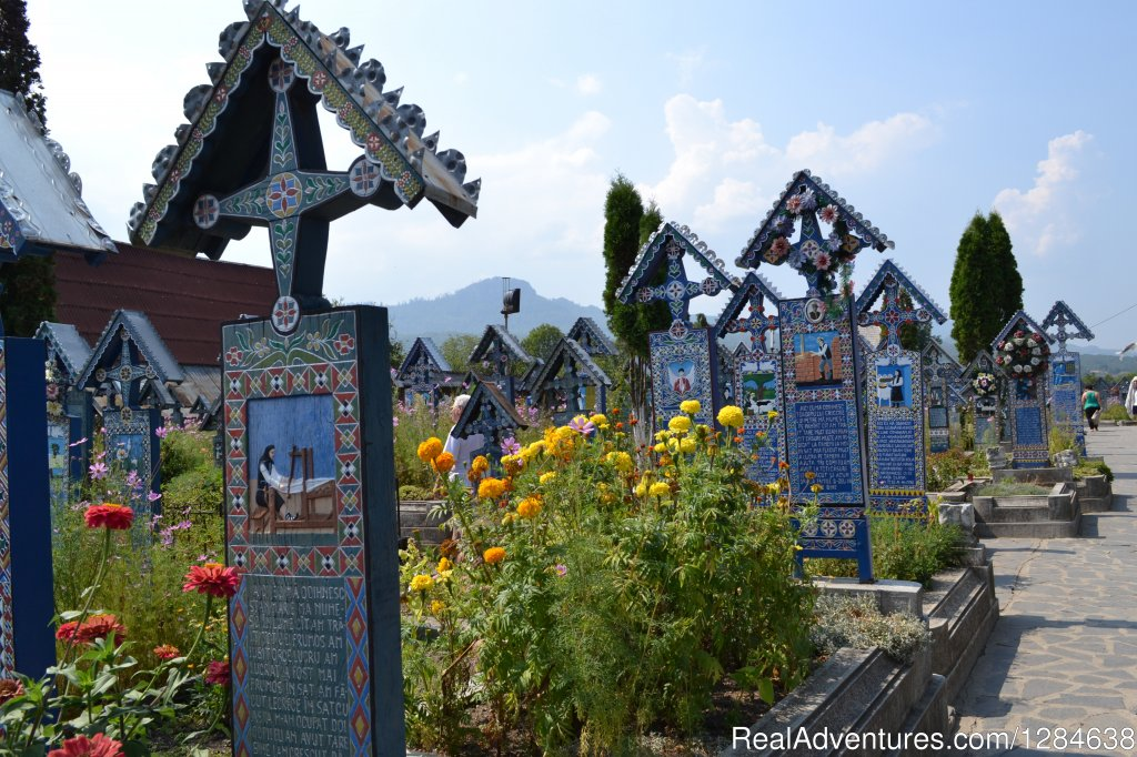 Merry Cemetery - Sapanta, Maramures | Image #22/26 | Discover Authentic Romania - 3 to 12 day tour