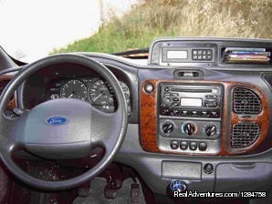 Inside teh Ford Nugget | Image #5/7 | Rent a motorhome and explore Europe