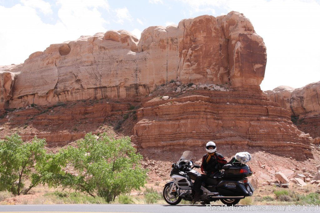 Want to get away? Looking to cruise new roads and highways, and stay at cozy little inns plus see new sights? If you answered yes to all those questions, but don't have the time or patience to plan such a trip, 2 Wheels Deluxe can do all.