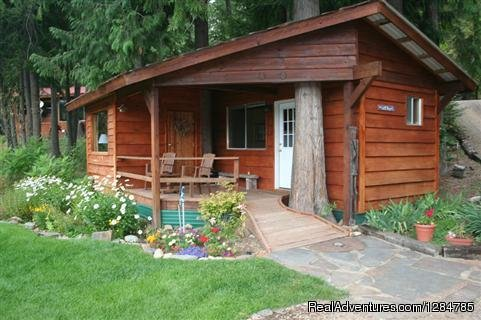 Romantic Getaway Near Sandpoint | Image #2/12 | Enchanting Waterfront Cabin Near Sandpoint Idaho