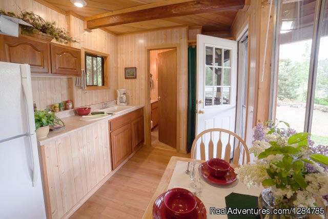 Sparkling Clean and Comfortable in Northern Idaho | Image #6/12 | Enchanting Waterfront Cabin Near Sandpoint Idaho