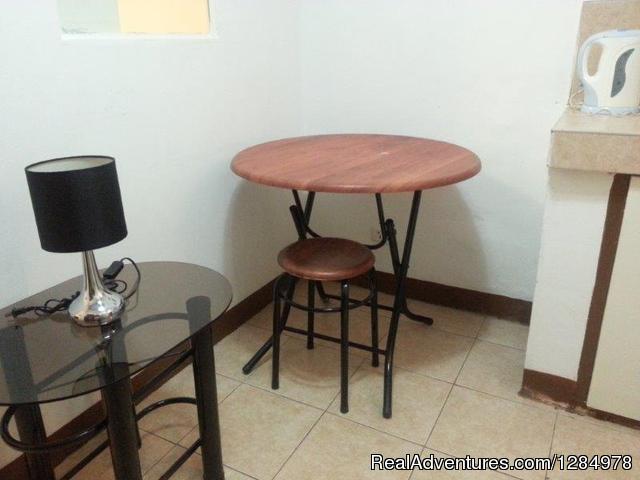 Cheap manila hotel daily makati apartment for rent santa for Affordable furniture manila