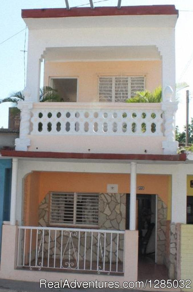The Hostel Don Vivas is located in Trinidad, Cuba. In the central position that has this particular house, you can easily walk to several attractions, both the historic city center, and the modern part, to clubs like the House of Music...