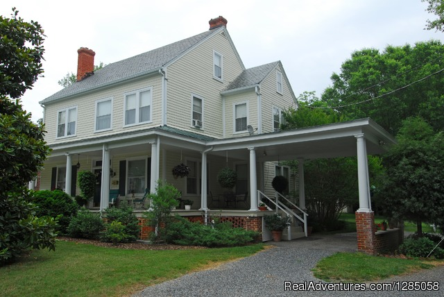 The Grey Swan Inn Bed and Breakfast Blackstone, Virginia Bed & Breakfasts