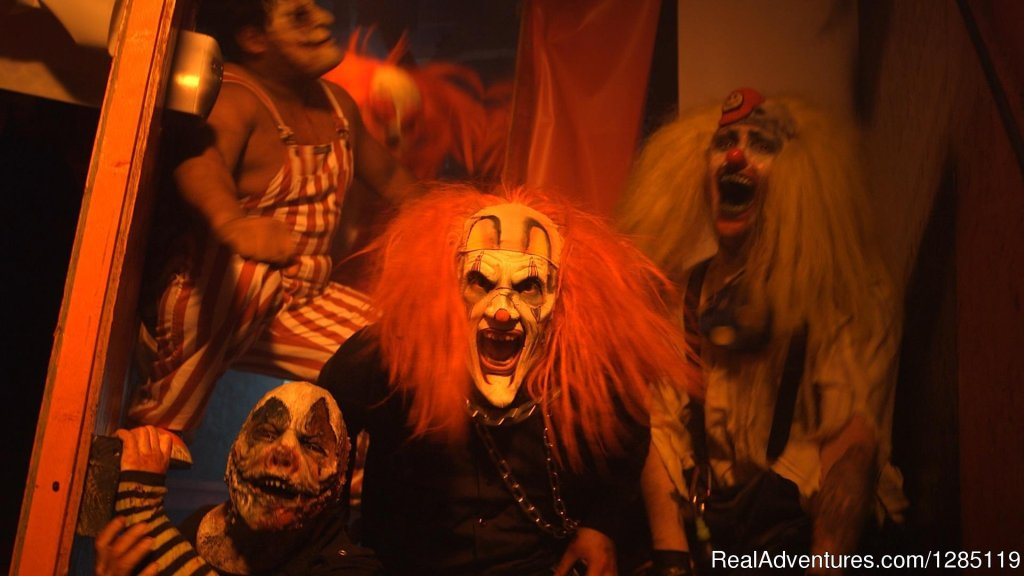 The legendary Dungeon of Doom Haunted House is the Illinois and Wisconsin longest running and largest single walk-through haunted house attractions. One hour of sheer horror makes Dungeon of Doom the best haunted house in Chicago.