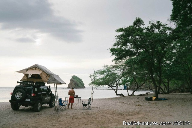 Camping on the beach in Costa Rica - 4x4 rental - Nomad America Costa Rica Camping 4X4 Roadtrip