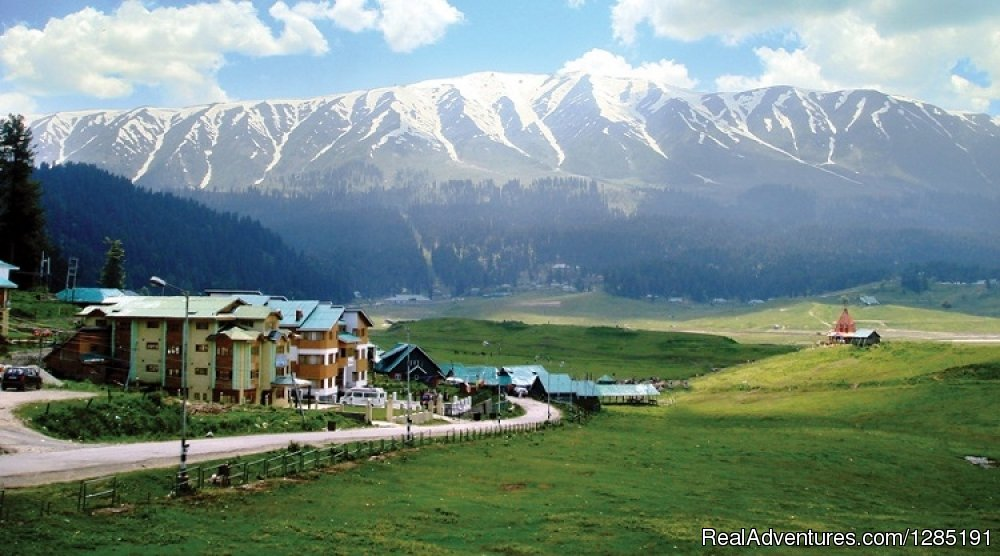 Image #3/4 | Kashmir Tour Packages at Kashmir Hills