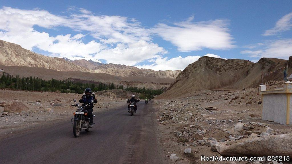 Ride in Himalayas | Image #11/25 | Motorcycle Tours India -Royal Bike Riders