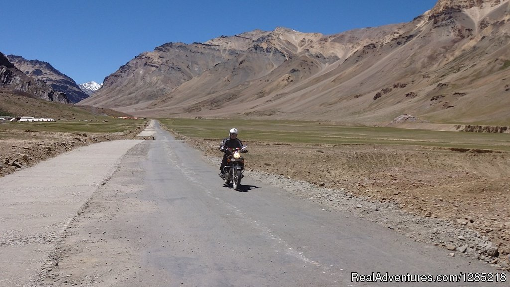 Ride in Trans-Himalayas | Image #12/25 | Motorcycle Tours India -Royal Bike Riders