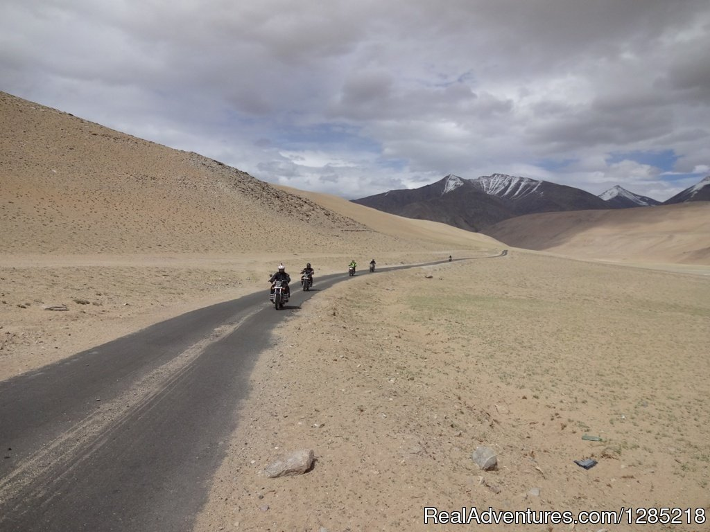 Paved road to Himalayas/India | Image #9/25 | Motorcycle Tours India -Royal Bike Riders