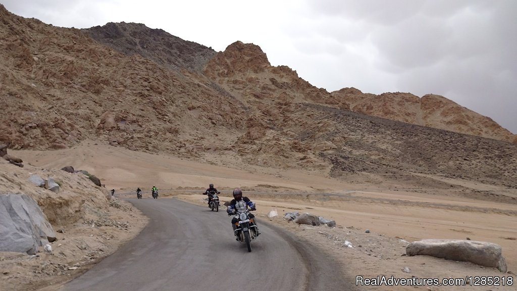 Road to Ladakh | Image #20/25 | Motorcycle Tours India -Royal Bike Riders