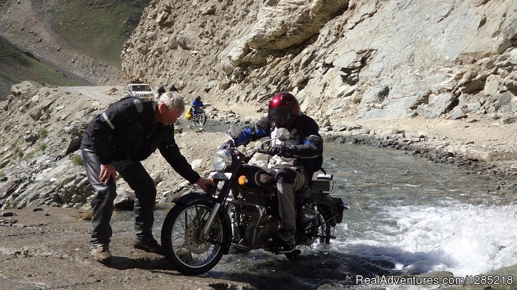 Water crossing in Himalayas | Image #22/25 | Motorcycle Tours India -Royal Bike Riders