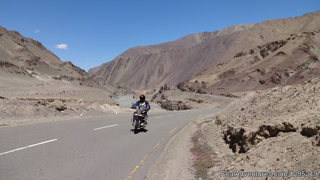 Ride to Leh-Srinagar Highway