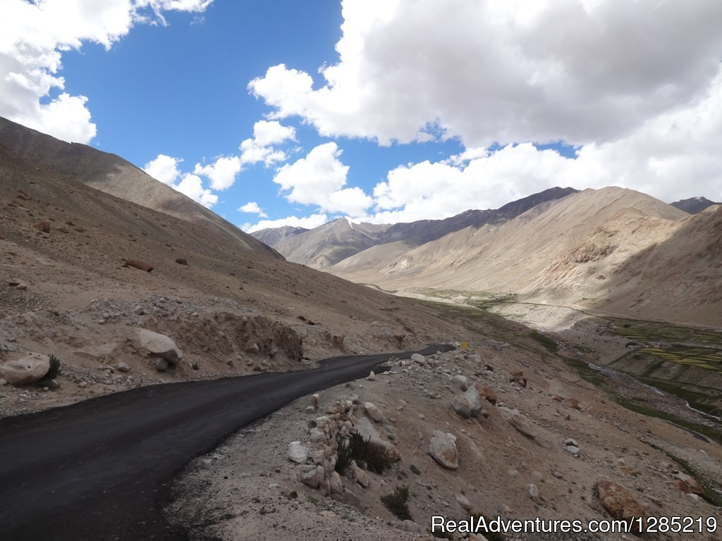 Road to Nubra Valley Moto adventure tour