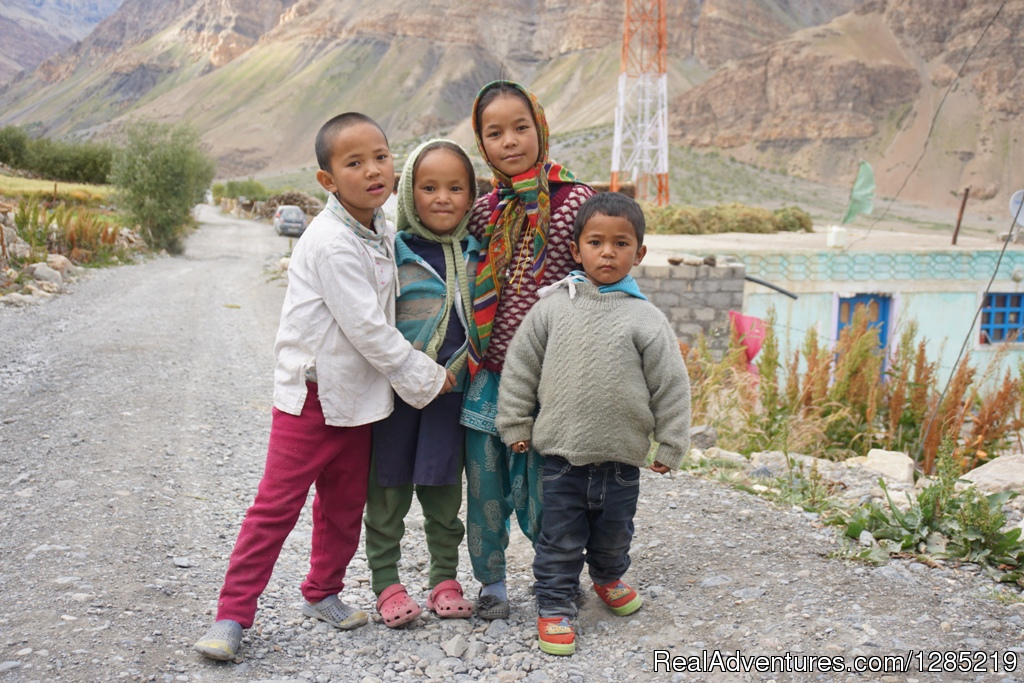 Children in Himalayas