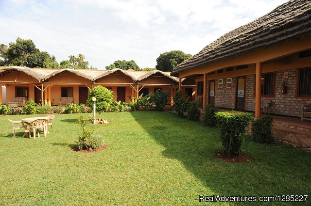 best budget accomodation in Entebbe Uganda
