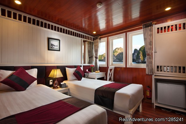 Deluxe ocean view twin cabin - Halong Paloma Cruise